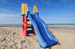 Faccia scorrere sulla spiaggia Fotografia Stock Libera da Diritti