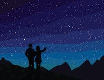 Faccia un desiderio Siluetta delle coppie, stella cadente di sorveglianza Fotografia Stock Libera da Diritti