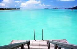 Faccia un passo nel paradiso in Bora Bora Immagine Stock Libera da Diritti