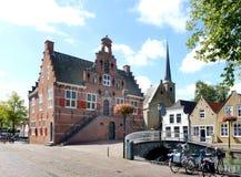 Facciata anteriore di vecchio municipio dell'oud-Beijerland, Paesi Bassi Immagine Stock