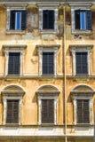 Facciata antica della casa italiana Fotografia Stock Libera da Diritti