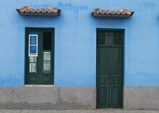 Facciata blu fotografie stock