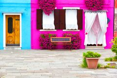 Facciata Colourfully dipinta della casa sull'isola di Burano Fotografia Stock