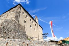 Facciata del castello del Tirolo e fase in Tirolo, Tirolo del sud Immagini Stock Libere da Diritti