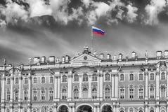 Facciata del palazzo di inverno, Museo dell'Ermitage, St Petersburg, R Immagine Stock