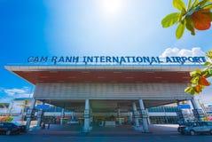 Facciata dell'aeroporto internazionale di Ranh della camma, Vietnam Fotografia Stock Libera da Diritti