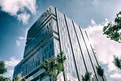 Facciata dell'edificio per uffici Immagini Stock Libere da Diritti