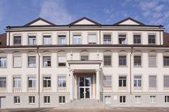 Facciata dell'edificio scolastico Immagine Stock Libera da Diritti
