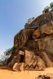 Facciata dell'entrata del cancello del leone della fortezza di Sigiriya Fotografia Stock