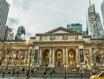Facciata della biblioteca pubblica di New York fotografia stock libera da diritti