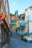 Facciata della casa tradizionale in vecchia città Tbilisi, Georgia immagine stock libera da diritti