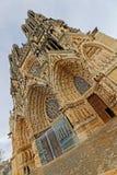 Facciata della cattedrale di Reims fotografia stock