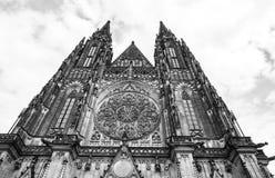 Facciata della cattedrale di vitus della st a Praga Immagine Stock Libera da Diritti