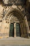 Facciata della cattedrale metropolitana dei san Vitus Immagini Stock Libere da Diritti