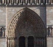 Facciata della cattedrale Notre Dame de Paris Fotografie Stock Libere da Diritti