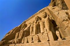 Facciata di grande tempiale a Abu Simbel Fotografie Stock Libere da Diritti