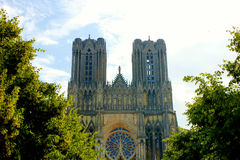 Facciata di Reims catedral immagini stock libere da diritti