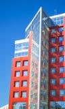Facciata di una costruzione moderna nella ciao-tecnologia di stile Immagini Stock