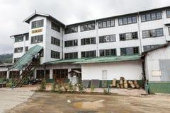 Facciata di una fabbrica del tè in Nuwara Eliya, alpeggio nello Sri Lanka centrale Fotografie Stock Libere da Diritti