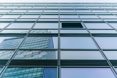 Facciata di una torre in Colonia, Germania di affari Immagini Stock Libere da Diritti