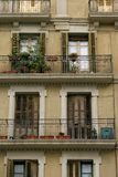 Facciata di vecchia casa a Barcellona, Spagna Fotografia Stock Libera da Diritti