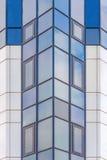 Facciata di vetro di un grattacielo moderno Fotografia Stock