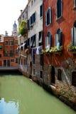 Facciata e canali luminosi di Venezia, Italia Fotografia Stock