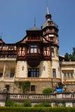 Facciata fronta del castello di Peles Fotografia Stock