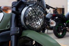 Facciata frontale del terreno del motociclo moderno del motociclo con il faro Immagini Stock Libere da Diritti