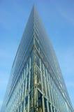 Facciata futuristica del grattacielo Fotografia Stock Libera da Diritti