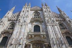 Facciata inferiore della cattedrale di Milano, Italia Immagini Stock Libere da Diritti