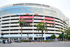 Facciata internazionale dell'istituto universitario di AlmaCrest in Kota Kinabalu, Malesia fotografia stock