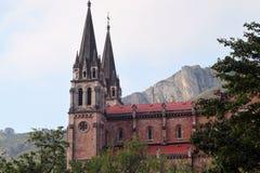 Facciata laterale della chiesa cattolica spagnola Fotografia Stock Libera da Diritti