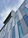 Facciata moderna dell'edificio per uffici Fotografia Stock
