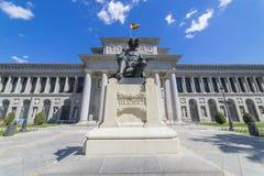 Facciata principale del museo di Prado, vecchia galleria di arte in Spagna, Madri fotografie stock