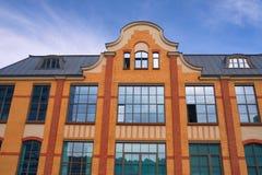 Facciata Pseudo-gotica di una costruzione Immagini Stock Libere da Diritti