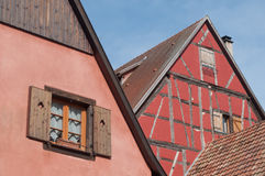 facciate alsaziane tradizionali di costruzione Fotografie Stock