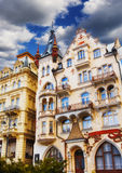 Facciate della costruzione a Karlovy Vary Immagini Stock Libere da Diritti