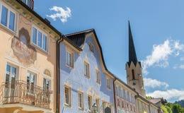 Facciate storiche in Baviera Germania di Garmisch-Partenkirchen Immagini Stock