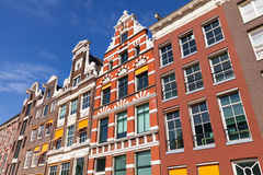 Facciate variopinte delle case a Amsterdam Fotografia Stock Libera da Diritti