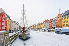 Facciate variopinte di Nyhavn a Copenhaghen in Danimarca nell'inverno Fotografie Stock Libere da Diritti