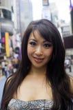 Face asiática encantadora na cidade fotos de stock