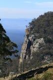 Face azul do penhasco das montanhas Fotografia de Stock Royalty Free