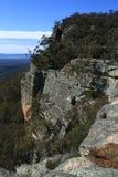 Face azul do penhasco das montanhas Fotos de Stock