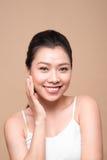 Face da beleza Tratamento facial Mulher asiática nova com perf limpo fotos de stock
