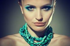 Face de uma menina 'sexy' com composição brilhante Imagem de Stock