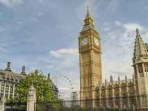 Face do relógio grande da torre de Elizabeth da proibição, palácio de Westminster, Londo Foto de Stock