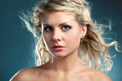 Face loura bonita da mulher fotografia de stock