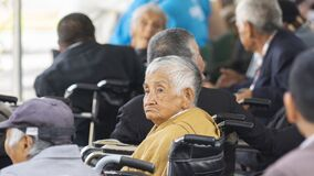 Free Face Of Old Woman In Wheelchair With Sad Expression During An Event In A Shelter For Helpless People Stock Photos - 189846923