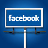 Facebook广告牌标志 库存照片